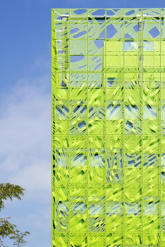Международная штаб-квартира Euronews. Фасад создан при участии художника Фабриса Ибера © Euronews – Jakob + MacFarlane – Nicolas Borel