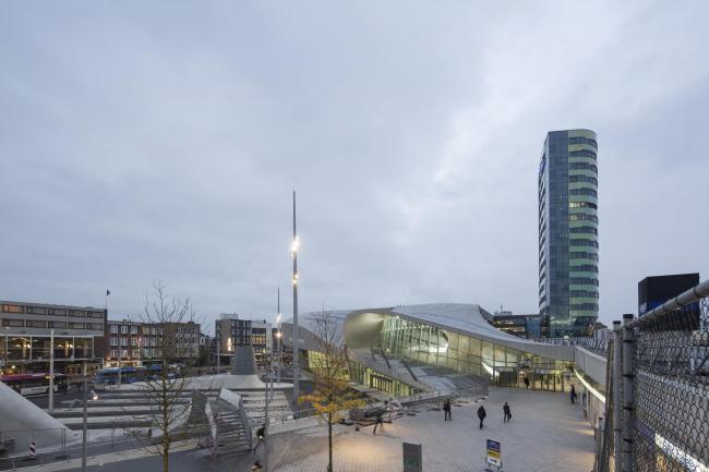Терминал Центрального вокзала Арнема © Frank Hanswijk