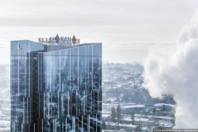 """101 Tower"" business center © Archimatika"