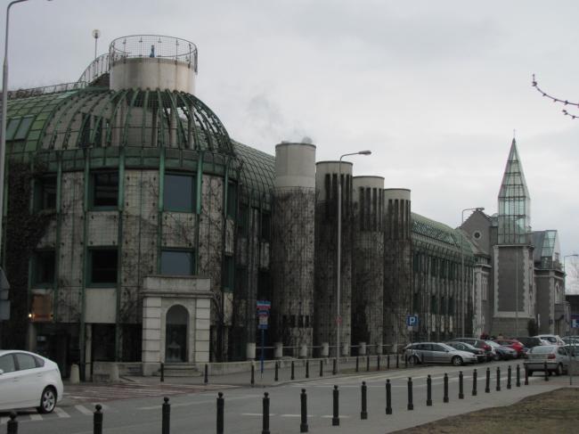 Библиотека Варшавского университета. Постройка, 2000. Фотография © Ирина Бембель