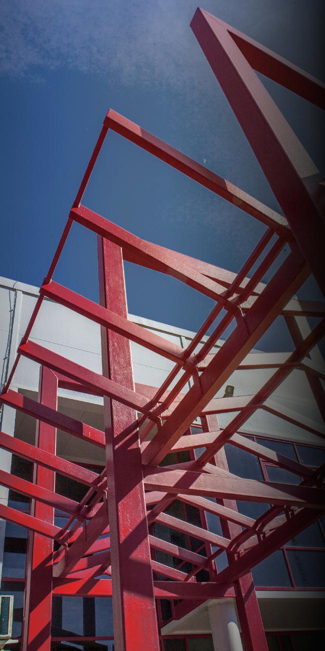 Молодёжный досуговый центр. Козырек над главным входом. Постройка, 2014 © Архитектурная мастерская А.А. Столярчука