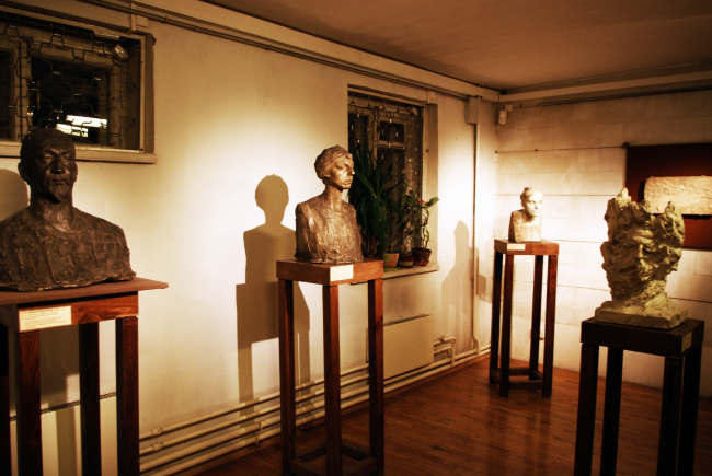 Exposition in the studio museum of Anna Golubkina. The first floor. Photo by Alla Pavlikova
