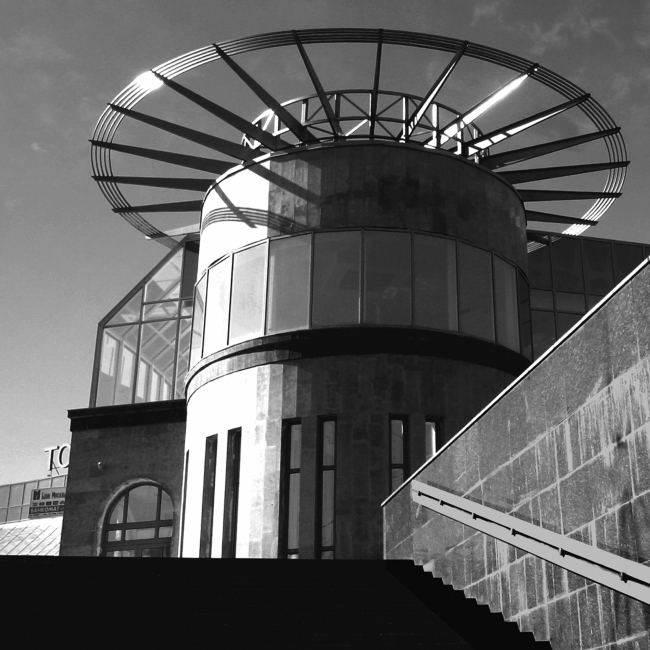 Центр Олимпийской торговли (Торговый центр «Артём»). Постройка, 2003 © Архитектурная мастерская А.А. Столярчука