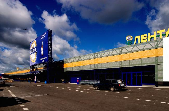 """Lenta"" shopping center on the Tallinn Highway. Construction, 2006 © Anatoly Stolyarchuk architects"