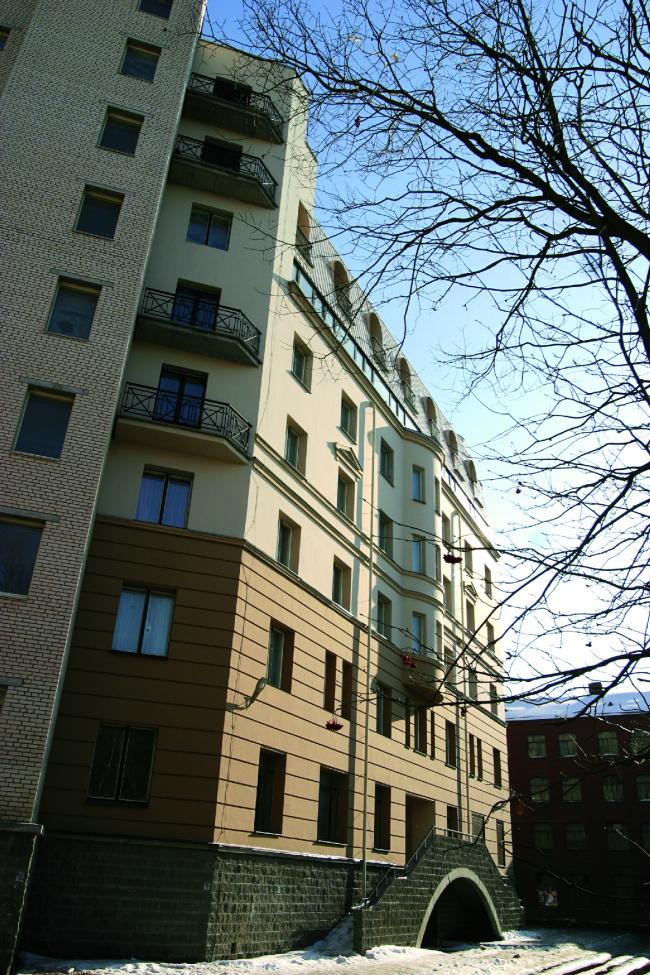 Жилой дом на улице Профессора Попова. Постройка, 2002 © Архитектурная мастерская А.А. Столярчука