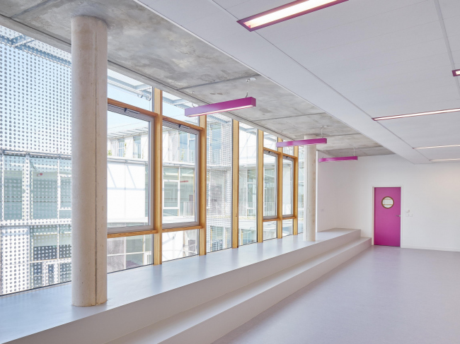 Школа имени Розалинд Франклин и студенческое общежитие © David Foessel