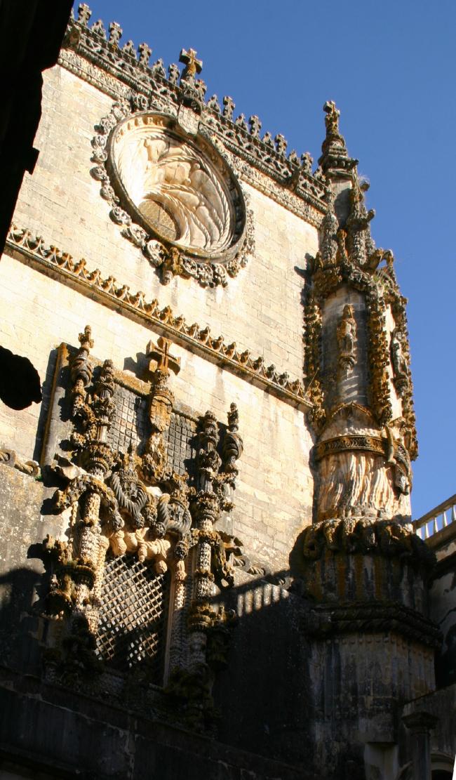 Монастырь ордена Христа (Конвенту-де-Кришту). Томар, Португалия, XII век. Фотография © Сергей Эстрин