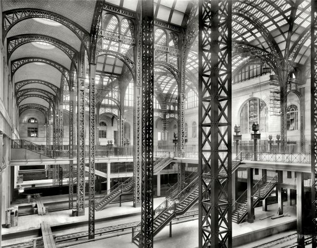 Старое здание Пенсильванского вокзала в Нью-Йорке до сноса в 1963. Бюро McKim, Mead & White. 1901-1910 © Detroit Publishing Company