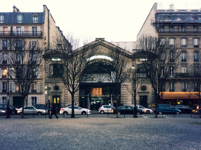 Павильон д'Арсеналь в Париже. Архитекторы Клеман / Б.Рейшен и Ф.Робер. 1879 / 1988 (информация с сайта: http://www.pavilloncirculaire.com/fr/home/10112-le-pavillon-de-larsenal.html)