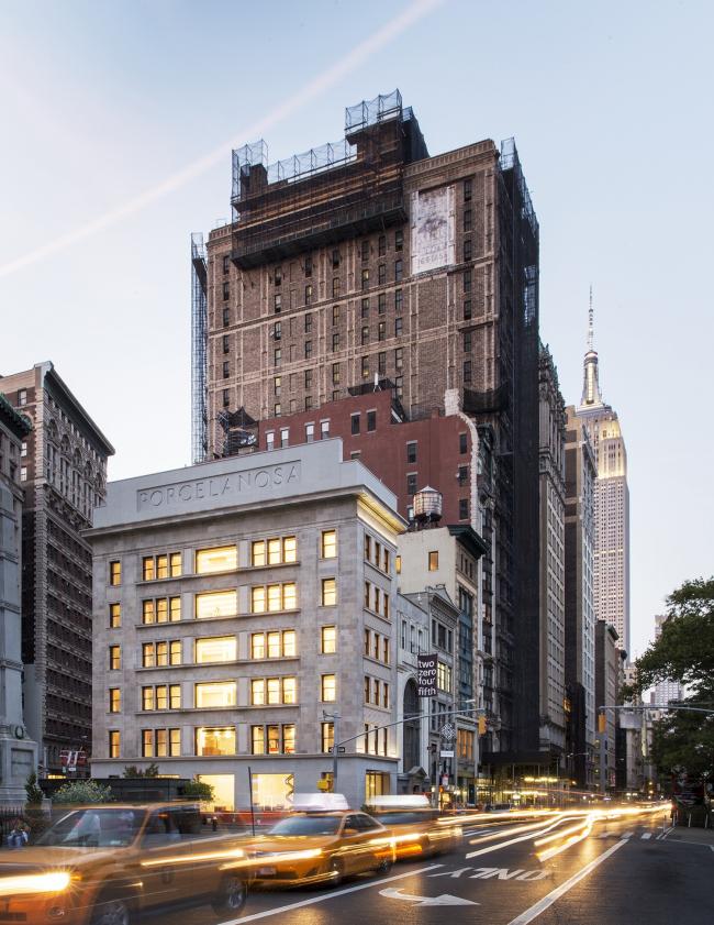 Флагманский салон Porcelanosa Grupo в Нью-Йорке. Изображение предоставлено компанией Porcelanosa Grupo