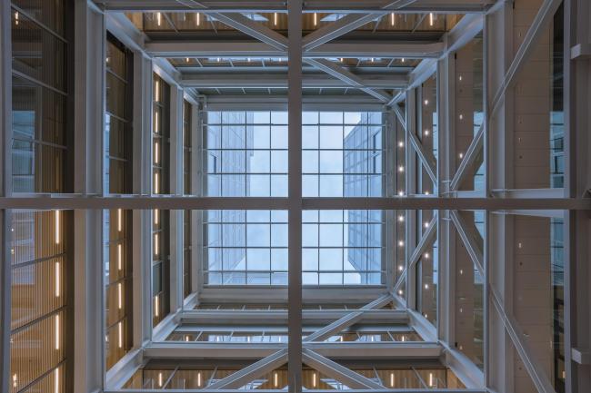 Тиммерхёйс – новое здание ратуши Роттердама. Фото: Sebastian van Damme © OMA