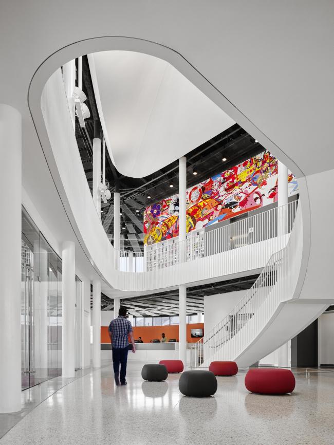 Филиал Чикагской публичной библиотеки в районе Чайнатаун. Фото: Jon Miller © Hedrich Blessing