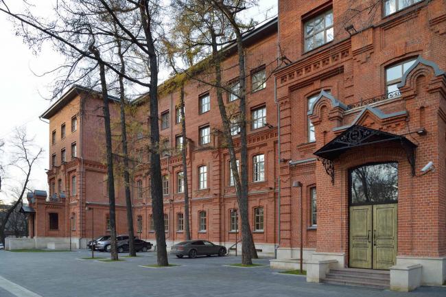 Офисное здание на ул. 2-ая Боевская. Фотография © Алексей Народицкий
