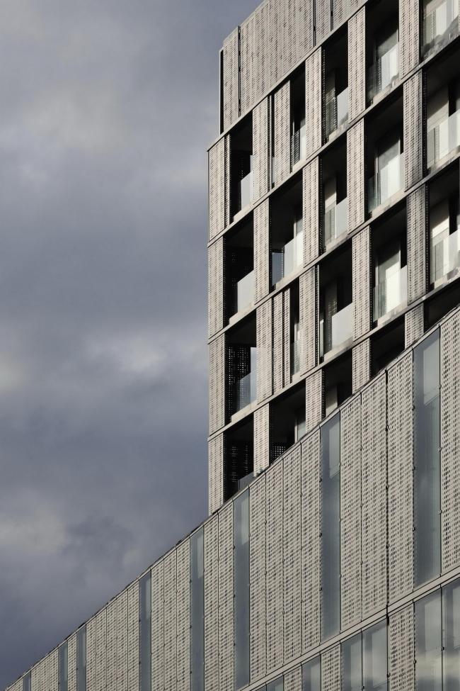 Комплекс жилья и офисов Situla © Miran Kambič