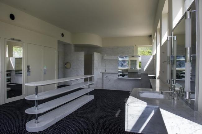 Ванная комната родителей © Didier Plowy