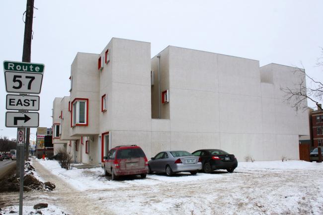 Жилой комплекс Centre Village в Виннипеге. Архитекторы 5468796 Architecture и Cohlmeyer Architecture Limited. Фото © Настя Маврина