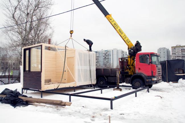 Серия домов «Дом-ковчег». Установка модуля на винтовой фундамент. 2015 © АрхПроект-3