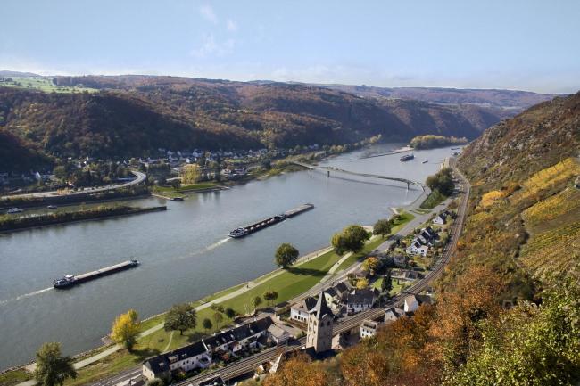 Проект моста Миттельрайнбрюке через Рейн близ Санкт-Гоара © heneghan peng architects
