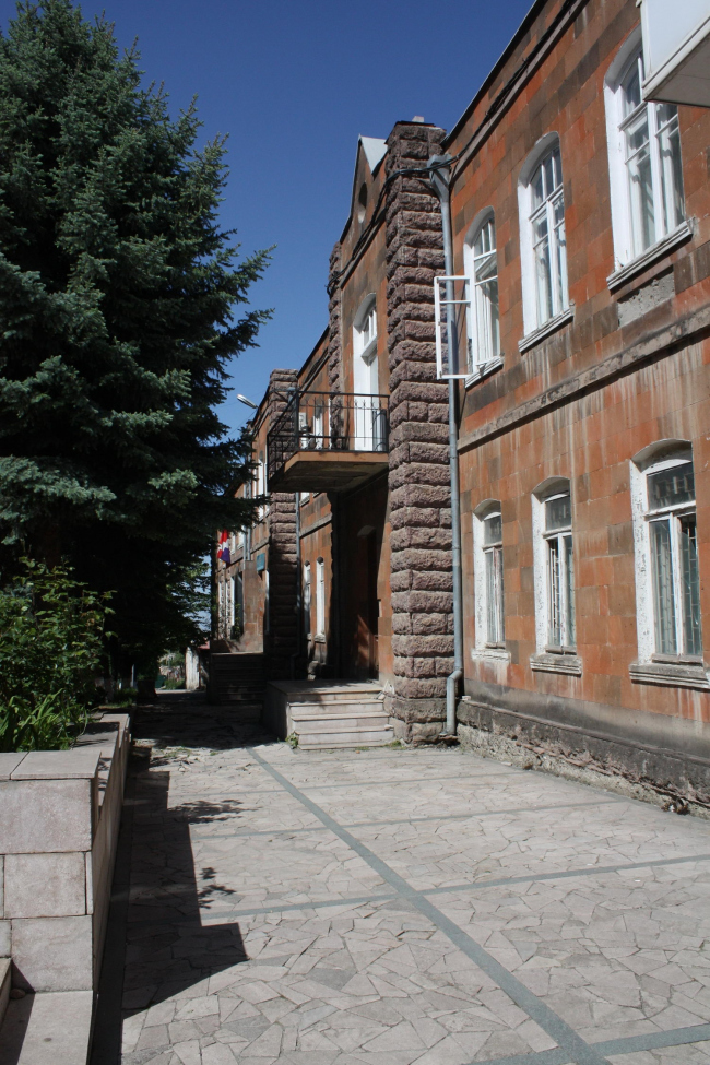 Центр ТУМО в Степанакерте. Изображение предоставлено бюро «Сторакет»