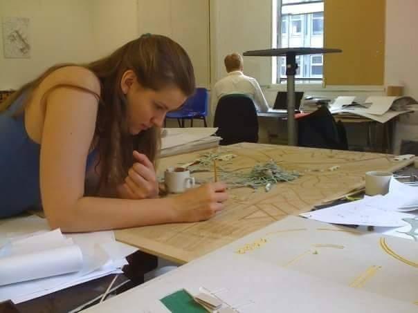 Анна Болдина. Работа над макетом: дсп, лазер, гуашь, бумага.