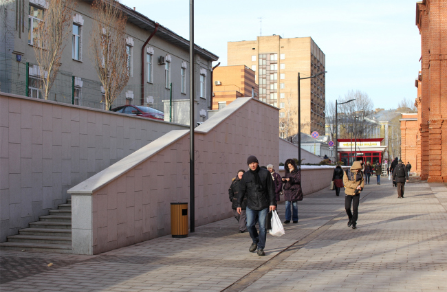 Арма: благоустройство пешеходной зоны © Сергей Киселёв и Партнёры. Фотография © Юлия Тарабарина