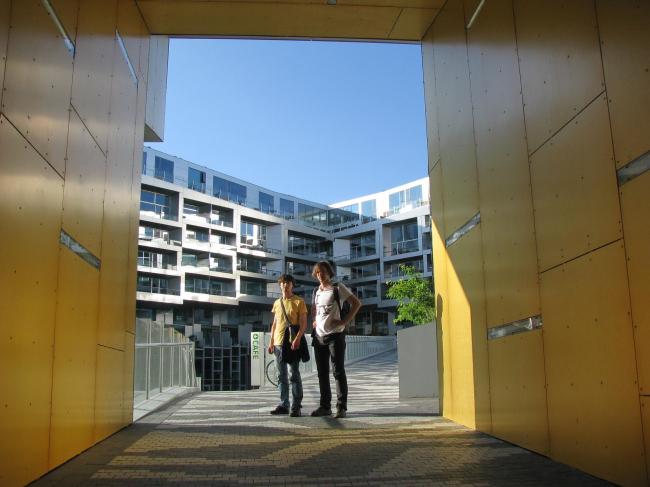 Евгений Чебышев и Константин Душкевич в жилом комплексе по проекту BIG в копенгагенском районе Эрестад