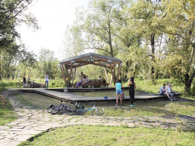 Общественные пространства на берегу озера Татышев. Ротонда. Фотография © Алексей Мякота