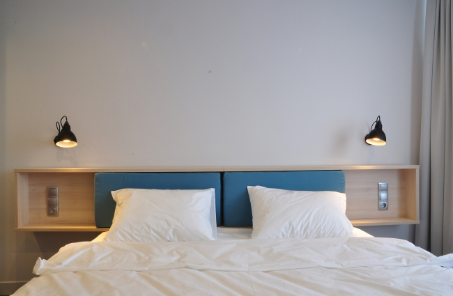 Интерьеры Smart номера гостиницы «Азимут». Реализация, 2015 © ПРОформа