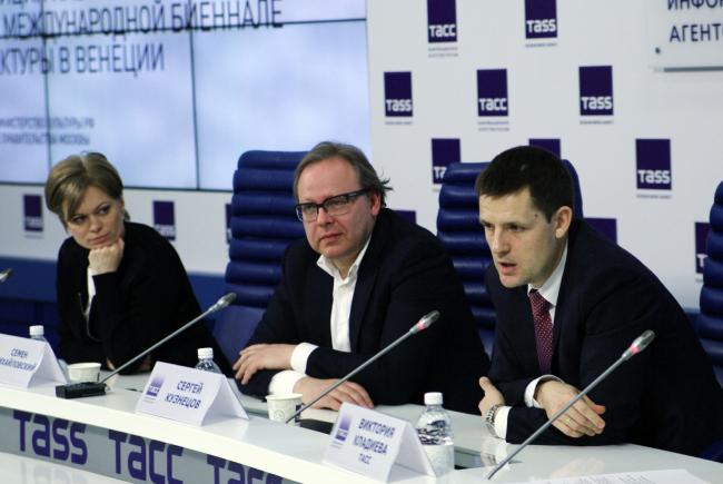 Press conference in the Telegraph Agency of the Soviet Union. On photo: Sergey Kuznetsov, Simon Mikailovsky, and Ekaterina Pronicheva. Photo by Alla Pavlikova