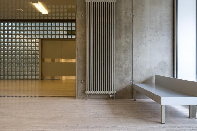 Школа «Им Бирх» в Цюрихе. 2004 © Юрий Пальмин