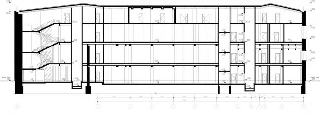 Реконструкция здания бывшей фабрики-кухни на ул. Новокузнецкая. Разрез © Kleinewelt Architekten
