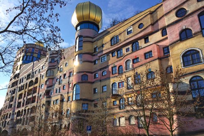 Жилой комплекс «Лесная спираль» в Дармштадте по проекту Фриденсрайха Хундертвассера. Фото предоставлено Марией Крыловой