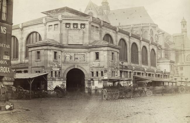 Ле-Аль. Первый павильон Бальтара и Калле, снесённый вскоре после строительства. 1853 г. Фото: Charles Marville. [http://vergue.com/post/491/Pavillon-des-Halles-centrales]