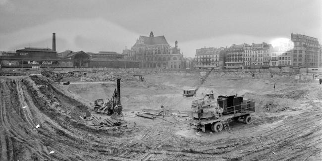 Котлован на месте снесённых павильонов Ле-Аль. 1-я пол. 1970-х гг.