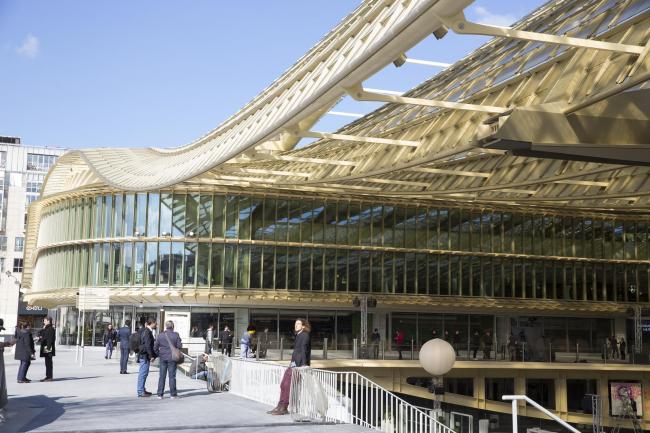 Реконструированный «Форум Ле-Аль». Арх. П. Берже, Ж. Анзьютти. 2007-2016 гг. Фото © Sophie Robichon. Предоставлено Мэрией Парижа