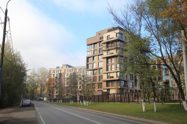 "Residential complex ""Novogorsk Olympic Village. Apartmets"". Construction, 2015 © Arkhitekturium"