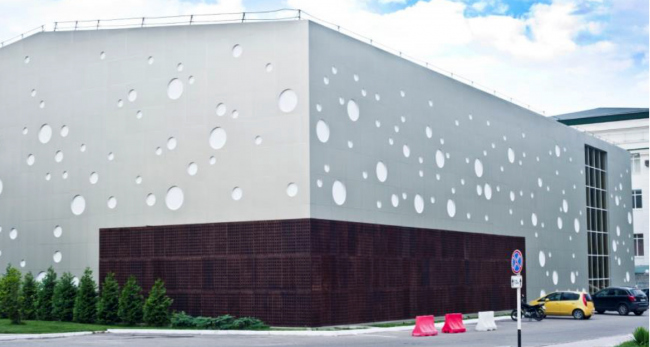 Завод «Абрау Дюрсо» в Новороссийске, возведенный с применением АКП Bildex и архитектурных покрытий EWIGOL