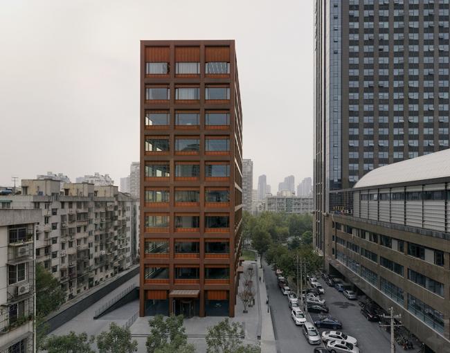 Офисное здание Moganshan Road в Ханшоу © Simon Menges