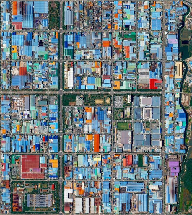 Промышленный квартал Сонджон Дон в Пусане, Южная Корея. Daily Overview | Satellite images © 2016, DigitalGlobe, Inc.