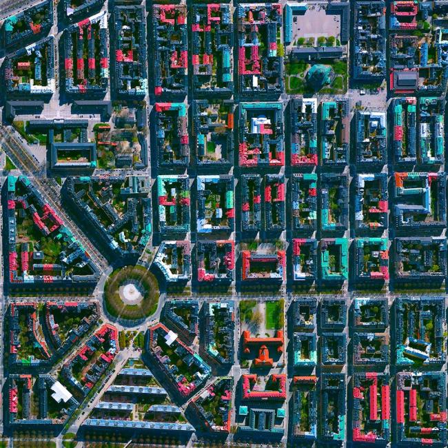 Район Эстермальм в Стокгольме, Швеция. Daily Overview | Satellite images © 2016, DigitalGlobe, Inc.