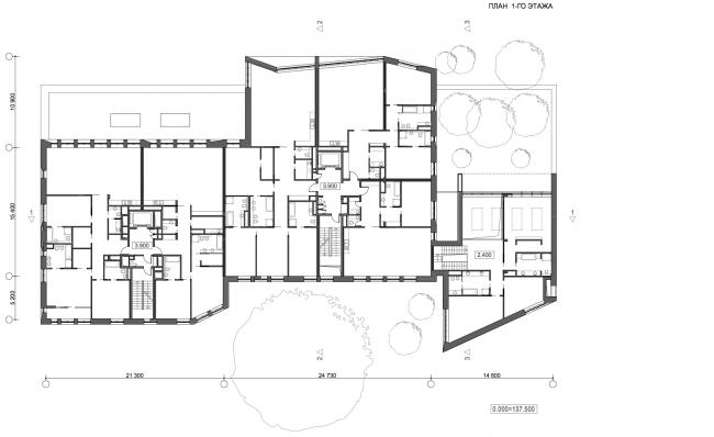 Жилой дом с подземной автостоянкой на ул. Бурденко. План 1 этажа © Сергей Скуратов ARCHITECTS