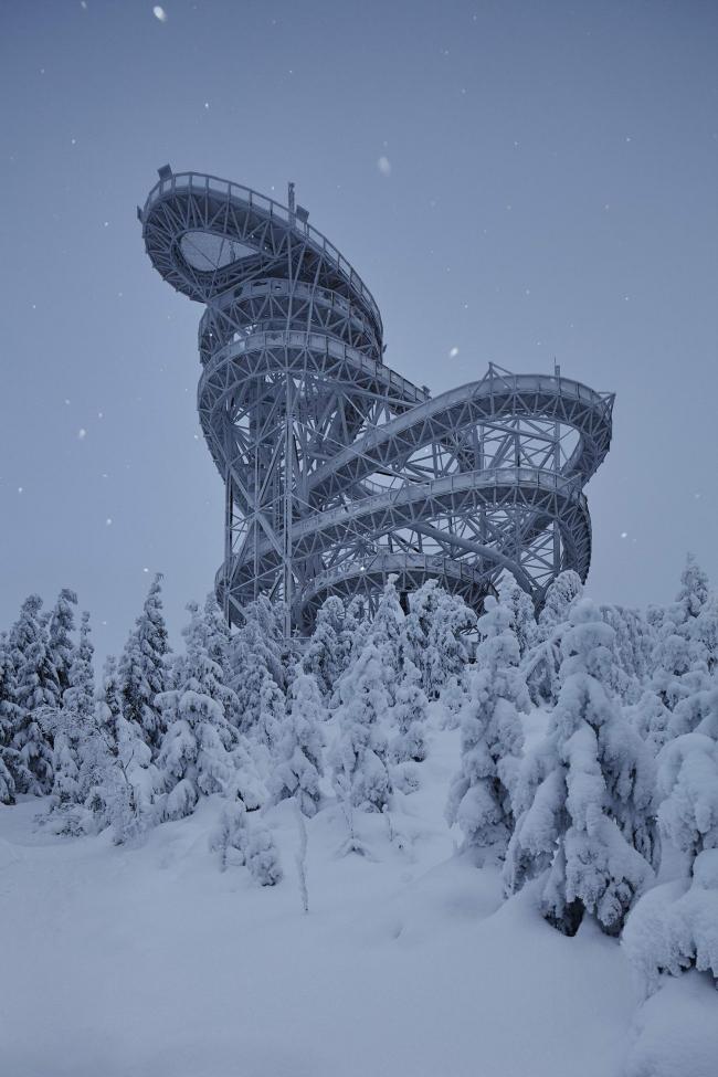 Смотровая башня «Небесная тропа» © Jakub Skokan, Martin Tůma / BoysPlayNice