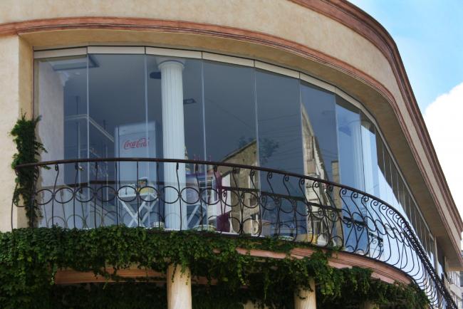Кондитерский бутик «Леди Мармелад». Фотография предоставлена Студией Архитектуры Подвижного Стекла ЮБК