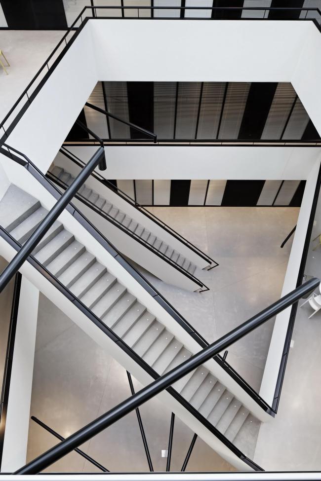 Инженерный корпус Федерального политехнического университета Лозанны © Vincent Fillon / Dominique Perrault Architecture / Adagp