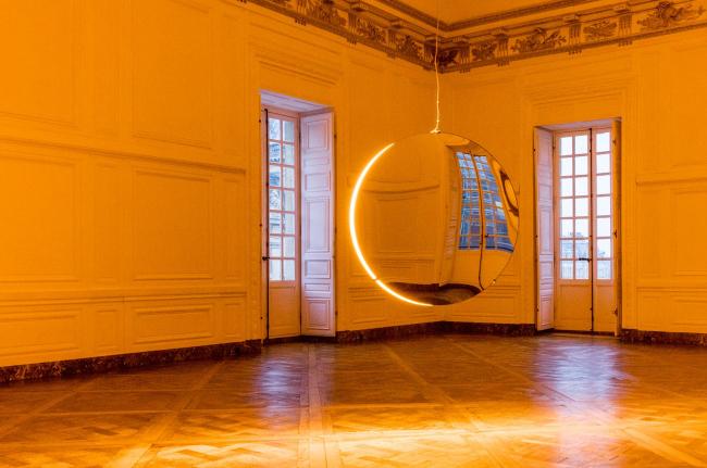 Инсталляция «Solar compression» в Версале © Olafur Eliasson. Изображение с сайта olafureliasson.net