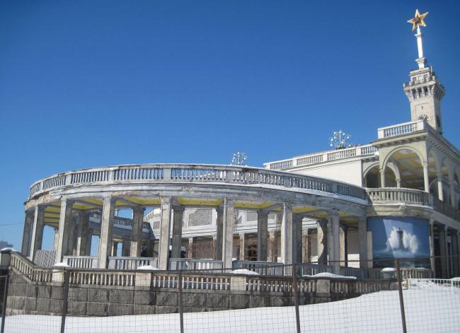 Северный речной вокзал. Фотография с сайта redbook.archnadzor.ru