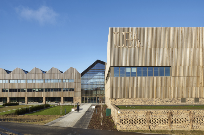 Исследовательский центр Боба Чемпиона в Норвиче.  Hawkins\Brown. Фото © Gareth Gardner