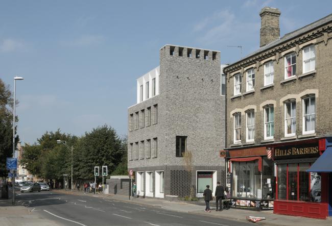 Здание 51 Hills Road в Кембридже.  Gort Scott Ltd. Фото © David Grandorge