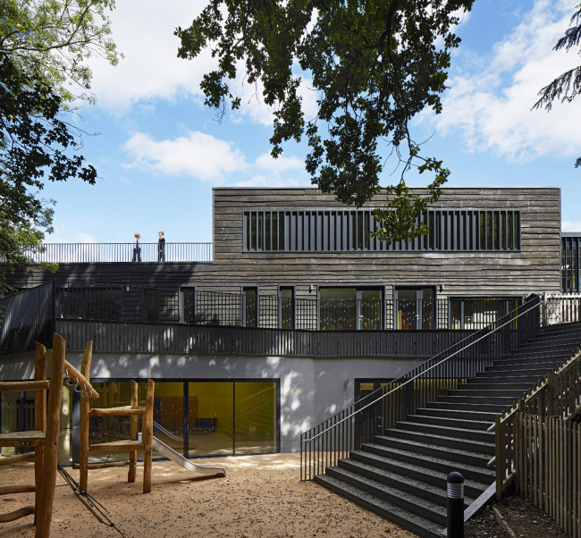 Школа Davenies в Беконсфилде, Бакингемшир.  DSDHA. Фото © Dennis Gilbert