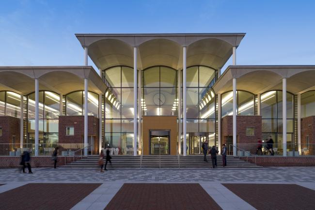 Корпус «Сердце кампуса» университета Ноттингем Трент.  Evans Vettori. Фото © Martine Hamilton Knight